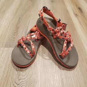 Chaco sandles unisex sports pink gray Size 2 youth